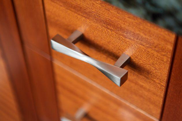 Cedar Mills Master Bathroom Cabinet Pull Design